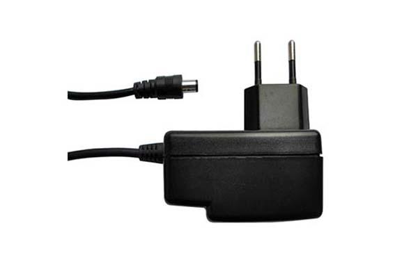 Fuente de alimentación compatible con la gama de teléfonos VoIP de Yealink T21, T19...